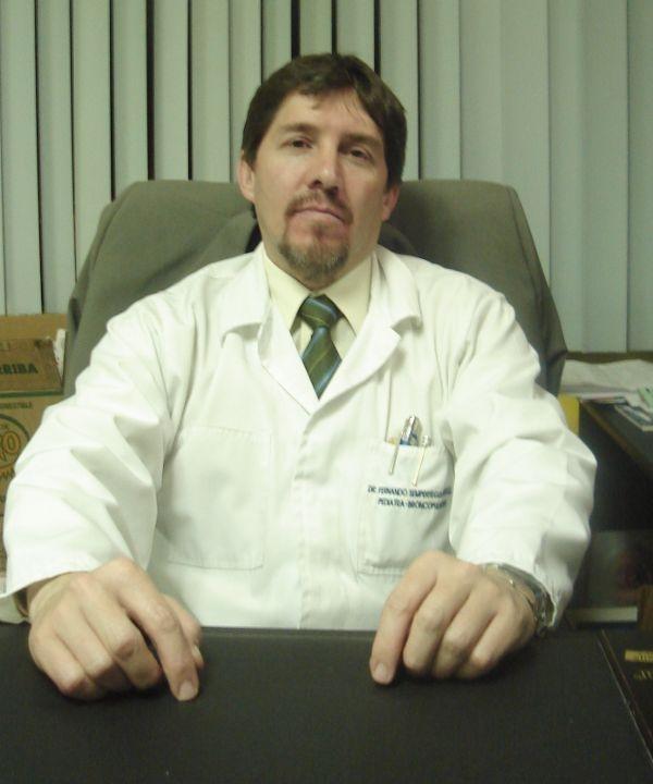 Dr.  Fernando   Sempértegui González  Neumólogo Infantil