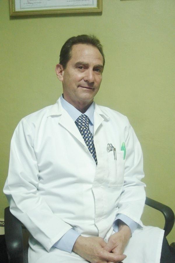 Dr. Alfredo  Navarro González