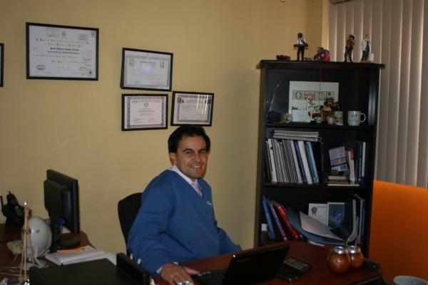 Dr. Raúl Edison Chumi Teran