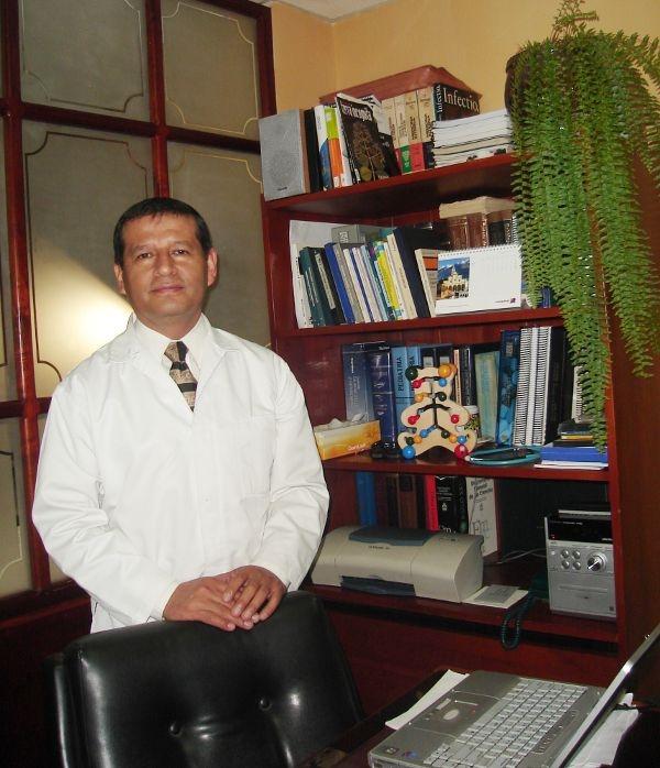 Dr. PATRICIO    PESÁNTEZ C.  Homeópata