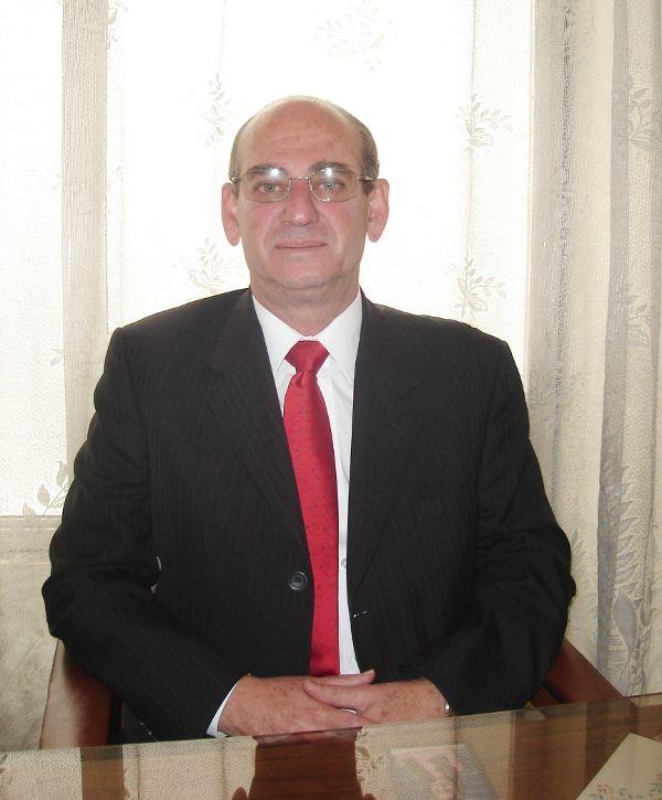 Dr. Eduardo  Cure Cure