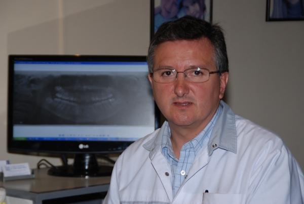 Dr. Alberto Eduardo Delgado  Ordóñez