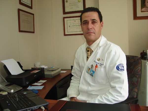 Dr. Gustavo   Arizaga  Rovalino  Ginecólogo y Obstetra