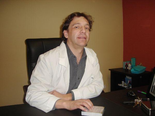 Dr. Erwin  Adig Davila Goercke