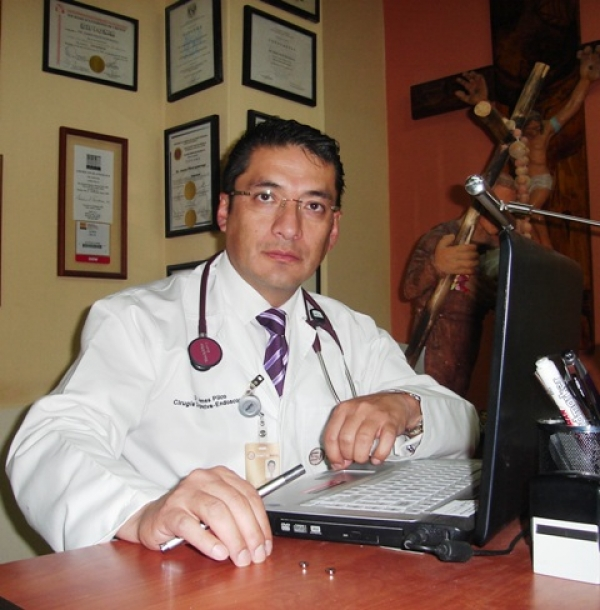 Dr. James  Pilco Luzuriaga