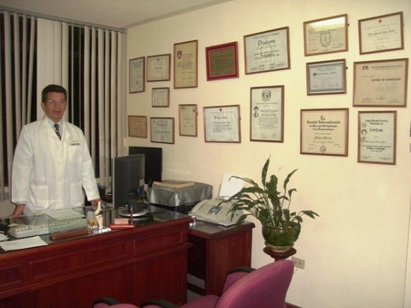 Dr. Wilson Gonzalo Muñoz Avilés