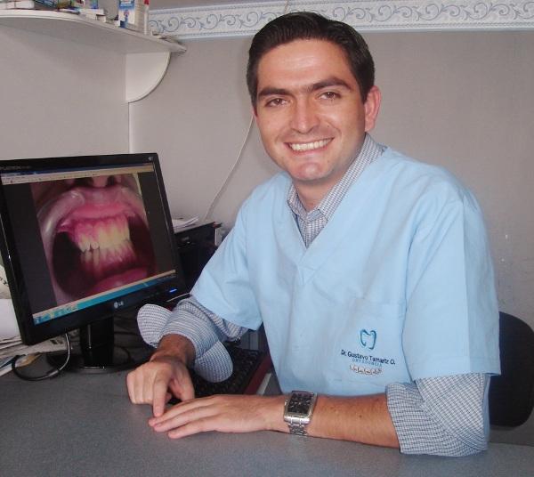 Dr. Gustavo   Tamariz Ordoñez  Odontólogo