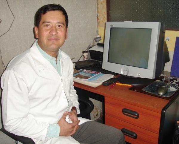 Dr. Renato   Durán León  Odontólogo
