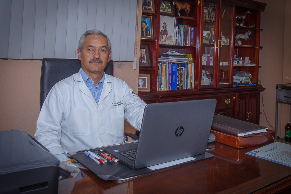 Dr.  Eduardo  Webster Coello