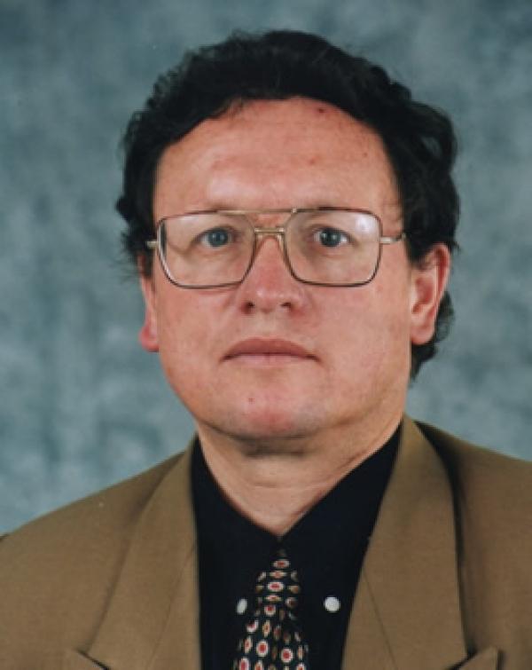 Dr. Hernan  Abad Rodas