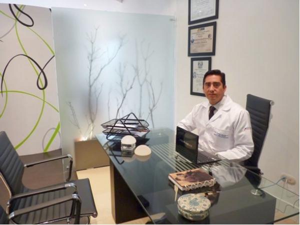 Dr. Cristian  Astudillo Carrera