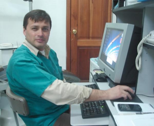 Dr. Freddy  Contreras Calderón