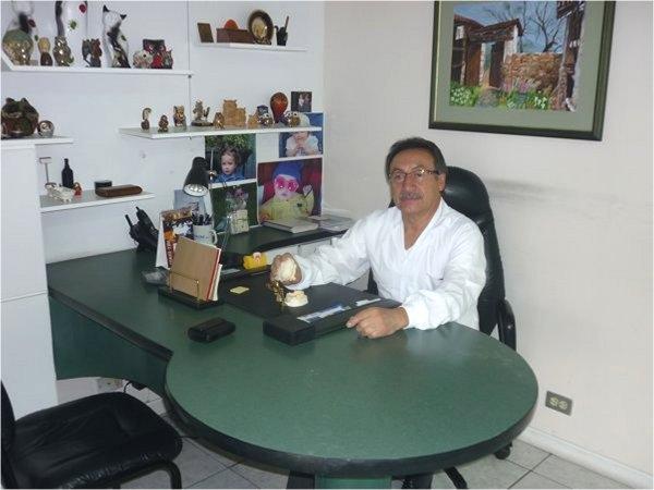 Dr. Jaime Rodrigo Vélez Núñez