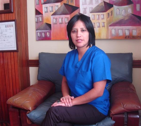 Dra. Isabel   Galarza Torres    Odontóloga