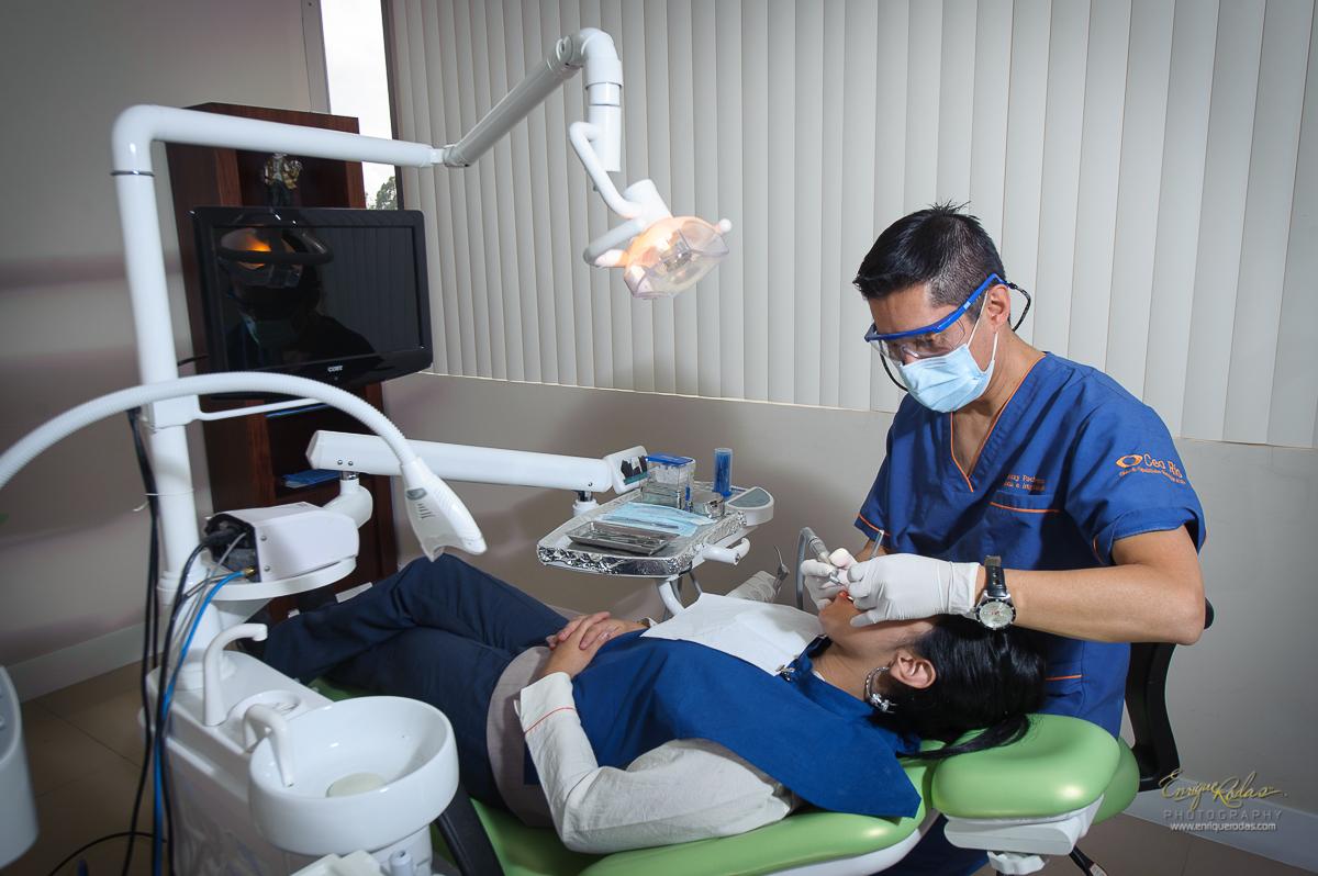 Dr. Johnny   Pacheco  Odontólogo