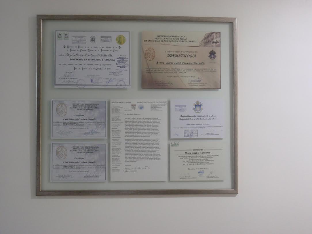 Dra.Isabel    Cárdenas     Dermatóloga