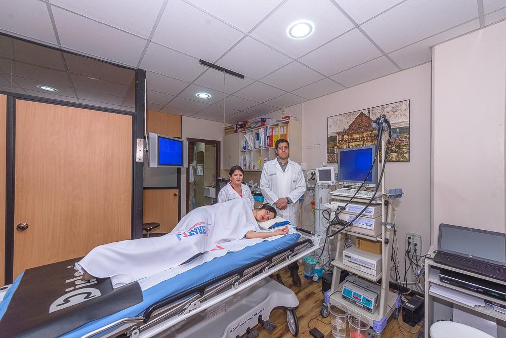 Dr.  Patricio   Abad Guzmán  Gastroenterólogo