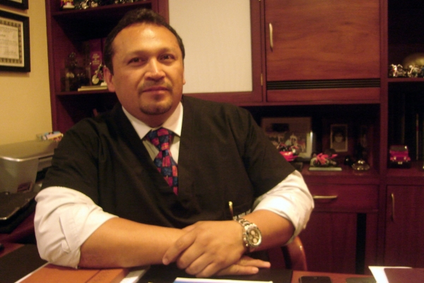 Dr. Marx Gerardo   Cardoso Muñoz  Cirujano Plástico Facial
